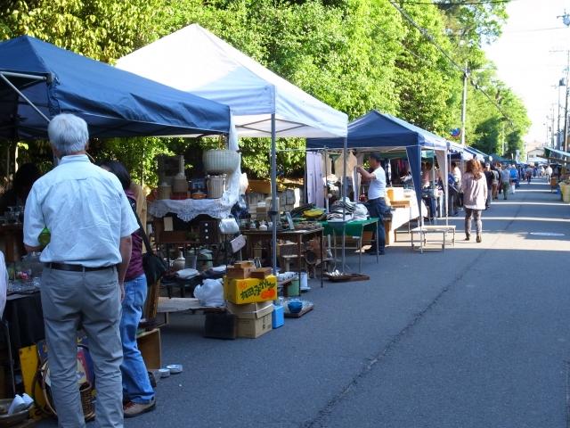 フリーマーケットの開催風景